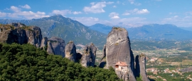 This day trip goes to the impressive site of the Meteora monasteries.